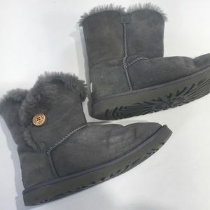Ugg Eva Boots Gray 6 Button Trim Sheepskin